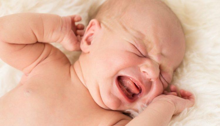 Bebeklerde kabızlık neden olur? Yeni doğan bebeklerde kabızlık…